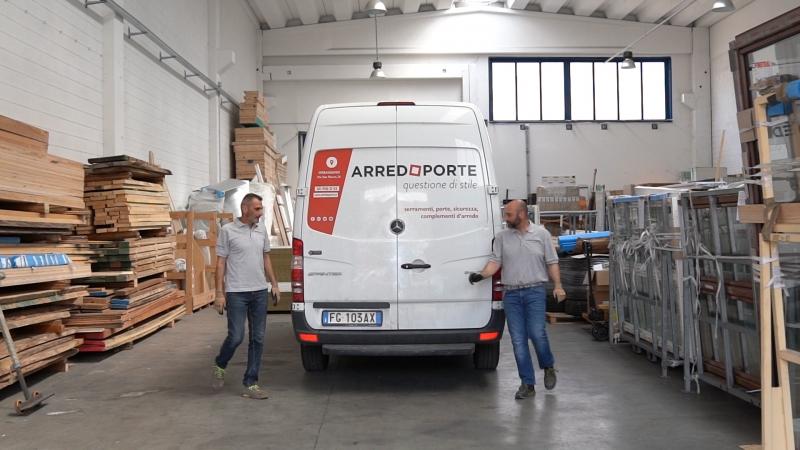 Consegna materiale Arredoporte